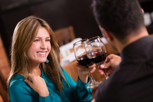 Dating Coach MN - 3 reasons why men should give compliments - dating advice for men